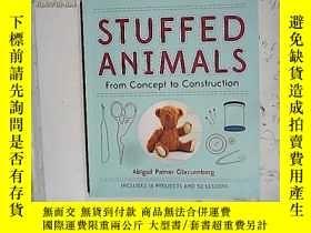 二手書博民逛書店Stuffed罕見Animals: From Concept t