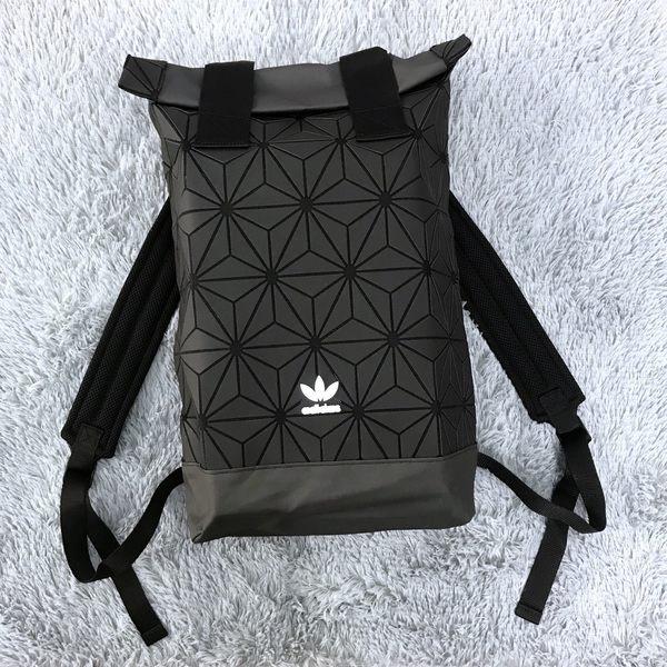 adidas 後背包 Originals BP ROLL TOP 3D 三宅一生 黑/白 立體格紋 男女款