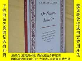 二手書博民逛書店英文原版罕見論自然選擇 On Natural Selection by Charles DarwinY7215