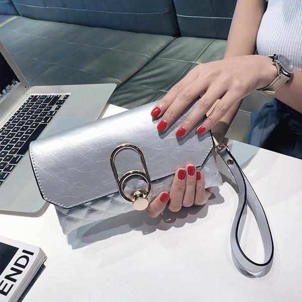 大容量鏈條氣質女生手包 簡約手拿包時尚韓版手抓包宴會包 女士手拿包個性信封包多功能手機包