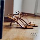 露趾高跟涼鞋 貓跟細帶法式涼鞋仙女風夏新款網紅細跟高跟鞋一字帶小跟女鞋