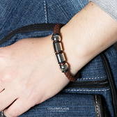 手鍊 潮流個性咖啡型男編織皮革白鋼四環造型手環 經典時尚 低調品味【NA370】簡約元素