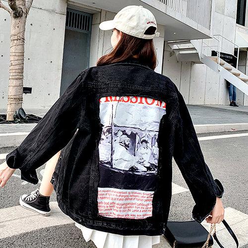 克妹Ke-Mei【AT57625】原單!JP版型潮牌背後字母圖印立領排釦牛仔外套