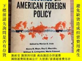 二手書博民逛書店World罕見pressures on American for