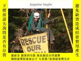 二手書博民逛書店Conflicts罕見over Natural Resources: A Reference Handbook (