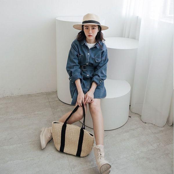 現貨-MIUSTAR 水洗色不對稱袋附腰帶排釦牛仔洋裝(共2色)【NJ0080】