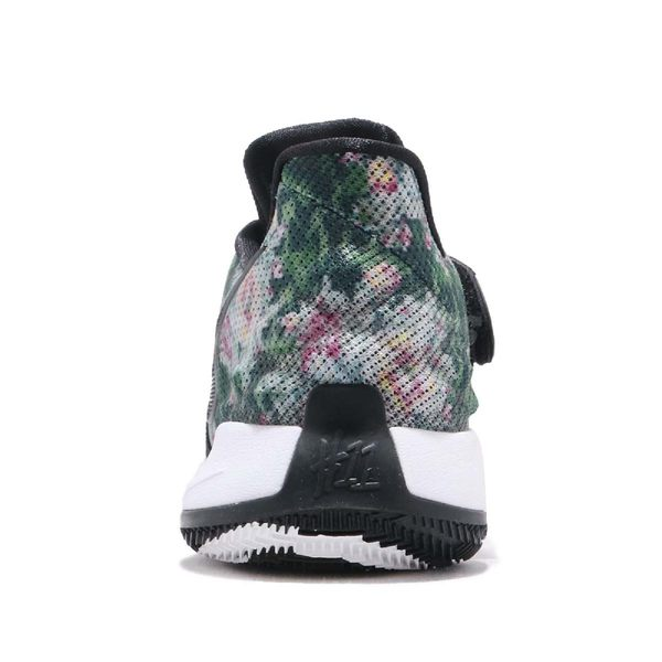 d84d8e7e5679 ... Nike Kyrie Low EP Floral 黑白花卉圖騰籃球鞋低筒Kyrie Irving 男鞋 ...
