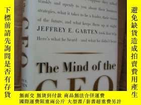 二手書博民逛書店The罕見Mind of the CEO 精裝帶書衣,封面過塑Y