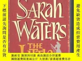 二手書博民逛書店英語小說The罕見Little Stranger   Sarah