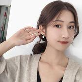 @太美飾品 氣質韓國個性百搭星星耳環小眾設計感無耳洞耳夾耳釘 自由角落