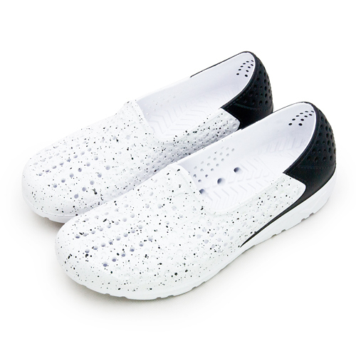 LIKA夢 PONY 防水透氣GOGO洞洞休閒走路鞋 Tropic D 系列 白黑 82U1SA61BK 女