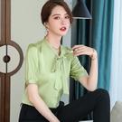 可愛綁蝴蝶結領絲滑緞面短袖上衣[21S065-PF]美之札