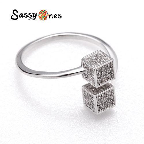 Sassy Ones時尚飾品-Chic又有點Cute的小方塊戒指(活動戒圍)
