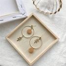 【NiNi Me】韓系耳環 氣質甜美森林系樹葉木頭圓圈夾式耳環 夾式耳環 E0269
