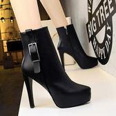 靴子 防水臺超高跟鞋子 顯瘦皮帶扣短靴《小師妹》sm606