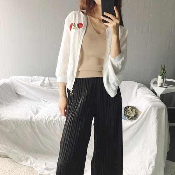 [超豐國際]貓~出沒 全麻玫瑰刺繡薄款棒球服外套 女 705