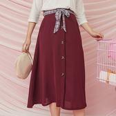 Poly Lulu 質感純色排釦格紋綁帶A字長裙-酒紅【95260072】