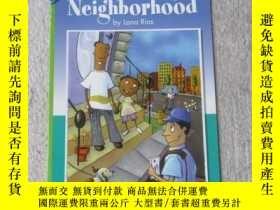 二手書博民逛書店Here罕見in My Neighborhood(Social