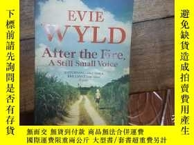 二手書博民逛書店After罕見the Fire,A Still Small Vo