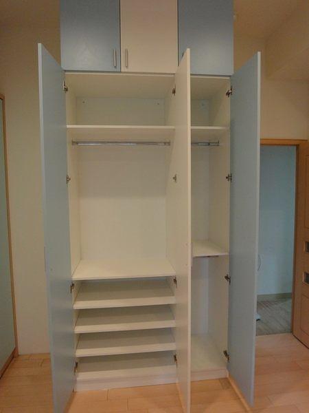 【歐雅系統家具】跳色門板 衣櫥櫃