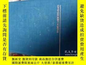 二手書博民逛書店LABOR罕見IN THE TWENTIETH CENTURY