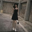 【限時促銷】一字領洋裝 小黑裙復古法式2021新款黑色a字短款打底內搭吊帶洋裝女夏