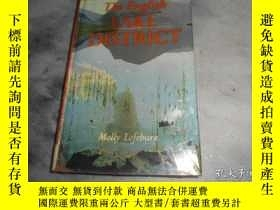 二手書博民逛書店The罕見English LAKE DISTRICTY3210