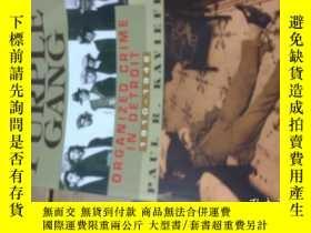 二手書博民逛書店The罕見Purple Gang: Organized Crim