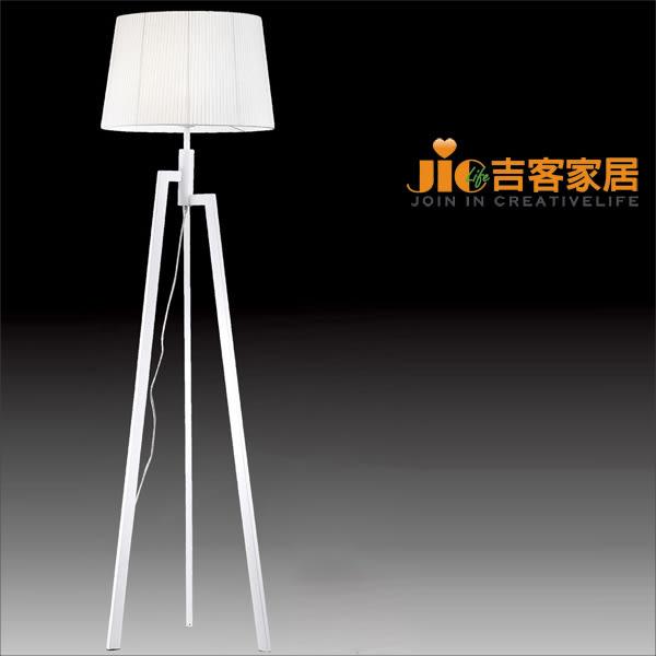 [吉客家居] 立燈-VD-801-011   金屬布罩時尚造型設計款現代簡約北歐臥室客廳民宿咖啡館商用空間