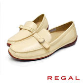 【REGAL】皮帶扣飾皮革休閒女鞋 米色(P530-IV)