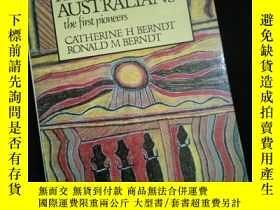 二手書博民逛書店The罕見ABORIGINAL AUSTRALIANS the first pioneers CATHERINE