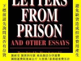 二手書博民逛書店Letters罕見From Prison And Other EssaysY255562 Adam Michn