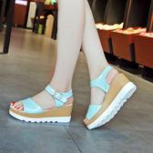 新款女士厚底厚底楔形韓版涼鞋時尚鬆糕底中跟休閒女涼鞋子潮     初語生活