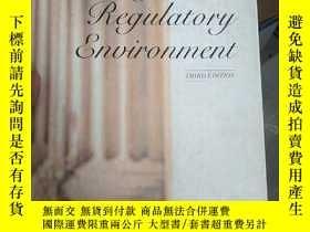 二手書博民逛書店The罕見Legal and Regulatory Environment[THIRD EDITIONY189