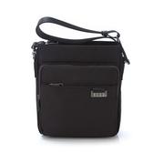 《高仕皮包》【免運費】ELLE 紳士品味橫式斜背包.黑色EL83396A-02