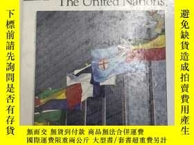 二手書博民逛書店1994年版罕見The United Nations 聯合國 精裝英文版 庫存舊書Y259256 R. Con