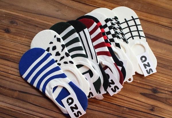 [協貿國際]夏季薄款千鳥格女士全棉防滑矽膠隱形船襪復古創意純棉豎條襪子潮3雙入