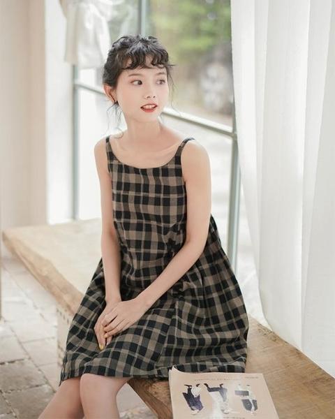 一字肩洋裝 格子吊帶洋裝女超仙森系韓版寬鬆學生2020夏新款蓬蓬裙初戀 果果生活館