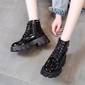 馬丁靴 帥氣馬丁靴女英倫風2021新款百搭機車靴子厚底坡跟短靴女春秋單靴 美物