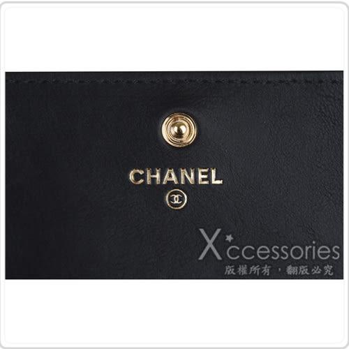 CHANEL 經典雙C 雕刻金屬LOGO滾金邊釦式中夾(黑)