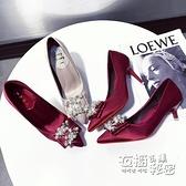 紅色婚鞋女低跟2020新款春季新娘鞋香檳色伴娘高跟鞋婚紗水晶鞋子 衣櫥秘密