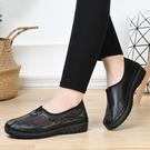 媽媽鞋 2021新款老北京散步刺繡牡丹花女鞋防滑超輕軟底媽媽鞋中老年女鞋
