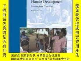 二手書博民逛書店Strengthening罕見Country Commitment to Human Development: L