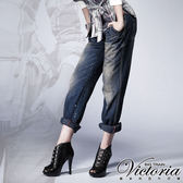Victoria 噴漆寬版BF褲-女-中深藍