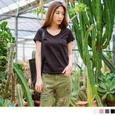 OB嚴選《AB2510-》不收邊設計單邊口袋V領素色竹節紋上衣.4色--適 S~L