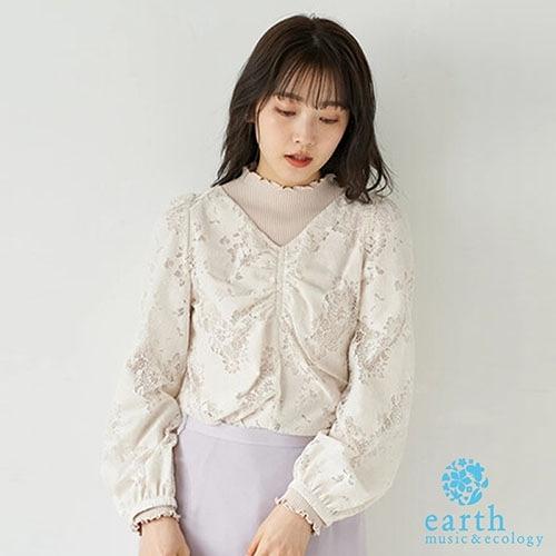 「Spring」透膚花朵蕾絲設計V領上衣 - earth music&ecology