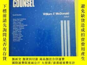二手書博民逛書店The罕見Defense Counsel (SAGE Criminal Justice System Annual