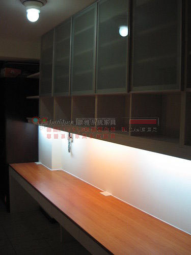 【歐雅系統家具】系統櫃 三人座書桌 吊櫃 窗邊櫃