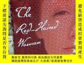 二手書博民逛書店The罕見Red-Haired Woman by Orhan P