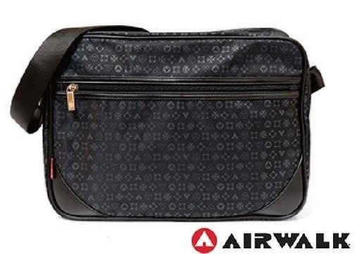 Backbager 背包族【美國 AIRWALK】質感LOGO多夾層側背包/斜背包/肩背包/休閒包_黑色